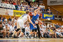 05.06.2019, Volksbank Arena, Gmunden, AUT, ABL, Swans Gmunden vs Kapfenberg Bulls, Finale, 3. Spiel, im Bild v.l.: Matthias Linortner (Swans Gmunden), Bogic Vujosevic (Kapfenberg Bulls) // during the Admiral Basketball Bundesliga 3rd final match between Swans Gmunden and Kapfenberg Bulls at the Volksbank Arena in Gmunden, Austria on 2019/06/05. EXPA Pictures © 2019, PhotoCredit: EXPA/ Dominik Angerer
