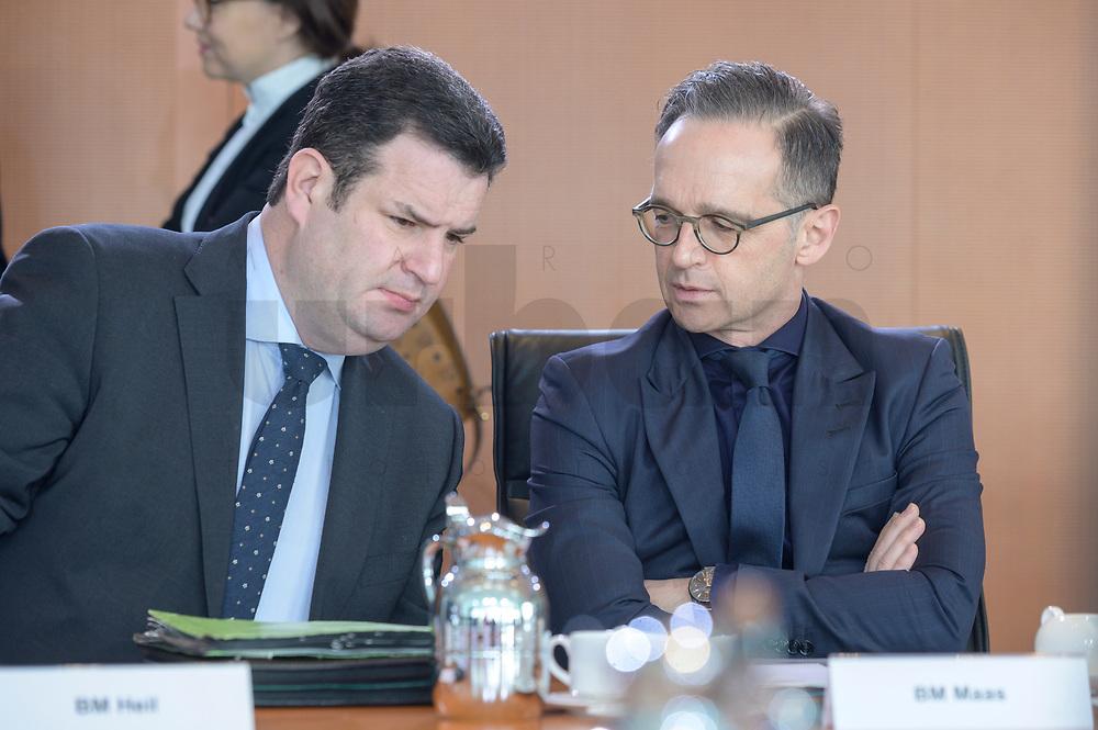 04 MAR 2020, BERLIN/GERMANY:<br /> Hubertus Heil (L), SPD, Bundesarbeitsminister, und Heiko Maas (R), SPD, Bundesaussenminister, im Gespraech, vor Beginn der Kabinettsitzung, Bundeskanzleramt<br /> IMAGE: 20200304-01-008<br /> KEYWORDS: Kabinett, Sitzung, Gespräch