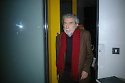 Alain Robbe Grillet, Party hosted by Sir Richard and Lady Ruth Rogers at their house in Chelsea  to celebrate the extraordinary achievement of completing this year's Pavilion  by Olafur Eliasson and Kjetil Thorsenat at the Serpentine.  13 September 2007. -DO NOT ARCHIVE-© Copyright Photograph by Dafydd Jones. 248 Clapham Rd. London SW9 0PZ. Tel 0207 820 0771. www.dafjones.com.