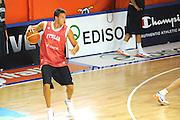 DESCRIZIONE : Folgaria Allenamento Raduno Collegiale Nazionale Italia Maschile <br /> GIOCATORE : Danilo Gallinari<br /> CATEGORIA : palleggio penetrazione<br /> SQUADRA : Nazionale Italia <br /> EVENTO :  Allenamento Raduno Folgaria<br /> GARA : Allenamento<br /> DATA : 17/07/2012 <br />  SPORT : Pallacanestro<br />  AUTORE : Agenzia Ciamillo-Castoria/GiulioCiamillo<br />  Galleria : FIP Nazionali 2012<br />  Fotonotizia : Folgaria Allenamento Raduno Collegiale Nazionale Italia Maschile <br />  Predefinita :