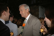 Peter Snow, BOOK PARTY FOR TABATHA'S CODE BY MATTHEW D'ANCONA. Spectator. Doughty St. London. 11 May 2006. ONE TIME USE ONLY - DO NOT ARCHIVE  © Copyright Photograph by Dafydd Jones 66 Stockwell Park Rd. London SW9 0DA Tel 020 7733 0108 www.dafjones.com