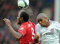 v.l. Amohamadou Idrissou , Edson Braafheid FCB <br /> Bundesliga SC Freiburg - FC Bayern München<br /> <br /> Norway only