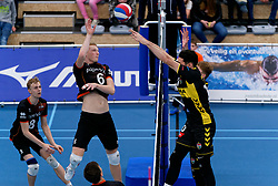 26-10-2019 NED: Talentteam Papendal - Draisma Dynamo, Ede<br /> Round 4 of Eredivisie volleyball - Luuk Hofhuis #6 of Talent Team