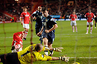 Photo: Daniel Hambury.<br />Charlton Athletic v Manchester City. Barclays Premiership.<br />04/12/2005.<br />City's Joey Barton watches as his follow up to his saved penalty evades the grasp of Charlton's Dean Kiely.