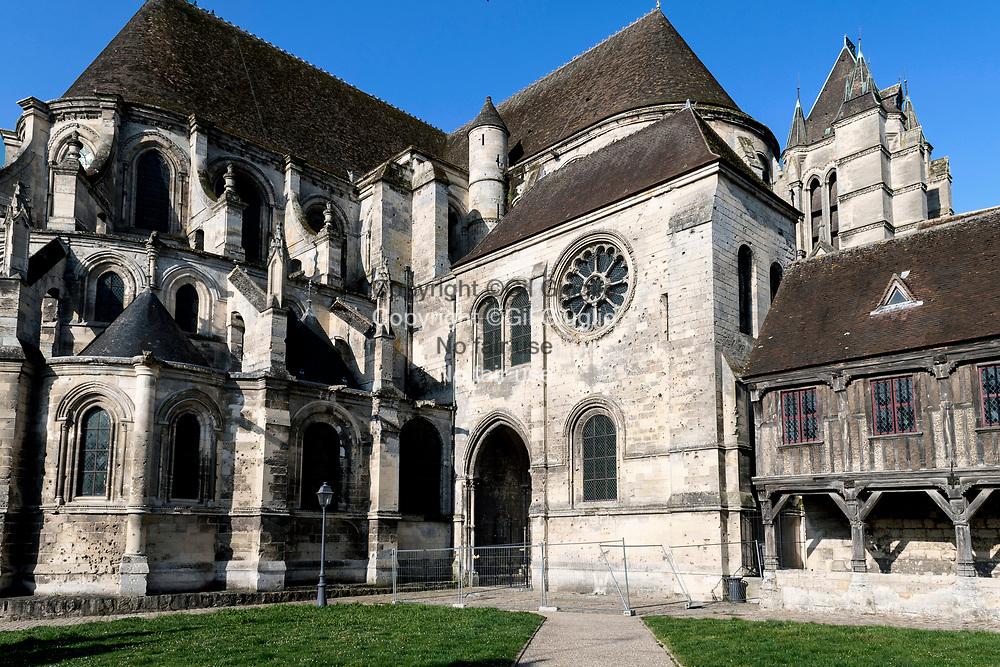 France, Hauts-de-France, Oise (60), Noyon, cathédrale Notre-Dame de Noyon (12e siècle), classée Monument Historique // France, Hauts-de-France, Oise (60), Noyon, Our Lady of  Noyon Cathedral (12th century), listed as a historical monument