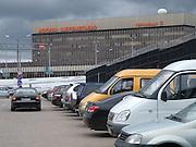 Moskau/Russische Foederation, RUS, 06.05.2008: Der Flughafen Scheremetjewo Terminal 2 im Grossraum Moskau. Er ist benannt nach dem russischen Dorf Scheremetjewo in seiner Naehe. Scheremetjewo 2 ist der einst meistbeflogene internationale Verkehrsflughafen der russischen Foederation. <br /> <br /> Moscow/Russian Federation, RUS, 06.05.2008: Sheremetyevo International Airport - Terminal 2 is an international airport located north of Moscow.