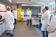BREDA, 26-6-2020 - Avans Hogeschool<br /> <br /> Koning Willem-Alexander tijdens een werkbezoek gebracht aan Avans Hogeschool in Breda. Het bezoek stond in het teken van de impact van de corona-uitbraak op (praktijk)onderwijs in het hbo.