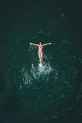 THEMENBILD - eine Frau beim schwimmen im Zeller See, aufgenommen am 01. August 2020 in Zell am See, Österreich // a woman swimming in the Zeller See, Zell am See, Austria on 2020/08/01. EXPA Pictures © 2020, PhotoCredit: EXPA/ JFK