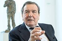 11 DEC 2019, HANNOVER/GERMANY:<br /> Gerhard Schroeder, SPD, Bundeskanzler a.D., waehrend einem Interview, im Buero seiner Anwaltskanzlei<br /> IMAGE: 20191211-01-002<br /> KEYWORDS: Gerhard Schröder, Büro