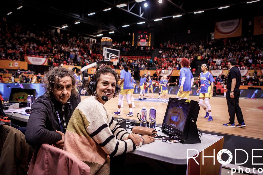 Kris Meertens and Sofie Hendrickx (BEL) for sporza tv <br /> <br /> <br /> Belgian Cats kwalificeren zich voor Olympische Spelen in Tokio! <br /> <br /> Day 3: SWEDEN VS BELGIUM : 53-61<br /> <br /> FIBA Women's Olympic Qualifying Tournament 2020 – Ostend,  Belgium<br /> Ostend Versluys Dôme (BEL)<br /> <br /> ©RhodePhotoMedia