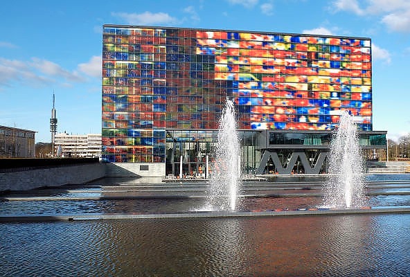 Nederland, Hilversum, 15-1-2012Het gebouw van het Instituut voor beeld en geluid op het mediapark.Foto: Flip Franssen/Hollandse Hoogte