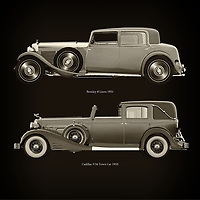 For the lover of old classic cars, this combination of a Bentley 8 Liters 1931 and Cadillac V16 Town Car 1933 is truly a beautiful work to have in your home.<br />