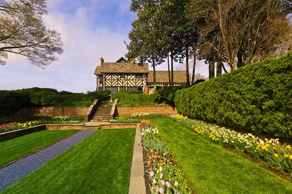 Agecroft Hall tudor estate and gardens, Richmond, Virginia USA