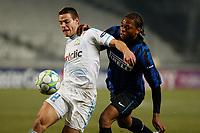 FOOTBALL - UEFA CHAMPIONS LEAGUE 2011/2012 - 1/8 FINAL - 1ST LEG - OLYMPIQUE MARSEILLE v INTER MILAN - 22/02/2012 - PHOTO PHILIPPE LAURENSON / DPPI - CESAR AZPILICUETA (OM) / JOEL OBI (INT)