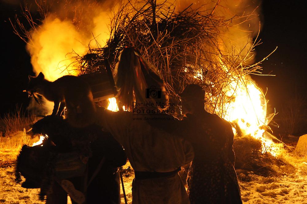 Il Carnevale del Vecio e la Vecia a Palù del Fersina nella valle dei mocheni 21 febbraio 2012 © foto Daniele Mosna