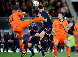 11-07-2010 VOETBAL: FIFA WK FINALE NEDERLAND - SPANJE: JOHANNESBURG<br /> brutalo ( Kung Fu Tritt) Foul von Nigel De Jong (Olanda) an Xabi Alonso (Spagna) en Mark van Bommel<br /> EXPA Pictures © 2010 EXPA/ InsideFoto/ Perottino - ©2010-WWW.FOTOHOOGENDOORN.NL<br /> *** ATTENTION *** FOR NETHERLANDS USE ONLY!