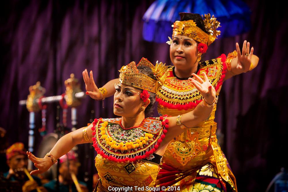 Balinese Gamelan, Burat Wangi music and dance at the Wild Beast, CalArts.