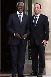File Photo - France's President Francois Hollande welcomes former UN secretary general Kofi Annan prior to a meeting at the Elysee presidential Palace in Paris on May 2, 2013. Kofi Annan, the former UN secretary-general who won the Nobel Peace Prize for humanitarian work, has died aged 80, his aides say. Photo by Stephane Lemouton/ABACAPRESS.COM