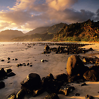 Hawaii, Kauai, Hanalei Bay Sunrise