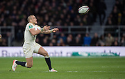 Twickenham, United Kingdom. Mike BROWN, throwing a pass, during the Old Mutual Wealth Series Rest Match: England vs Australia, at the RFU Stadium, Twickenham, England, <br /> <br /> Saturday  03/12/2016<br /> <br /> [Mandatory Credit; Peter Spurrier/Intersport-images]