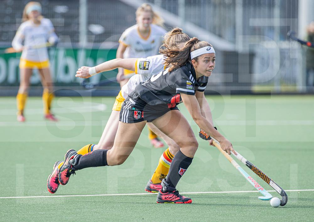 AMSTELVEEN -  Noor de Baat (Adam) tijdens  de hoofdklasse hockey competitiewedstrijd dames, Amsterdam-Den Bosch (0-1)  COPYRIGHT WORLDSPORTPICS KOEN SUYK