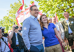 21.04.2018, Kuglhof, Salzburg, AUT, Landtagswahl in Salzburg 2018, FPOe Wahlkampfschlussveranstaltung, im Bild v.l.: Vizekanzler Heinz- Christian Strache (FPOe), Marlene Svazek (FPOe) // Austrian Vice Chancellor Heinz- Christian Strache, Marlene Svazek (FPOe)  during a campaign event of the FPOe Party for the State election in Salzburg 2018. Kuglhof in Salzburg, Austria on 2018/04/21. EXPA Pictures © 2018, PhotoCredit: EXPA/ JFK