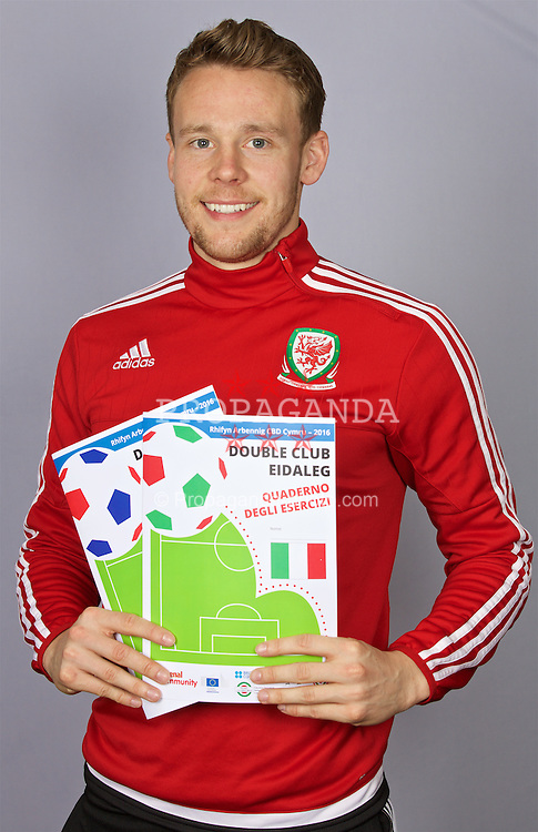 CARDIFF, WALES - Tuesday, March 22, 2016: Wales' Chris Gunter at the launch of the Double Club Language Welsh Government language initiative at the Vale of Glamorgan Hotel. (Pic by David Rawcliffe/Propaganda)