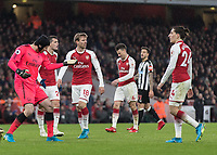 Football - 2017 / 2018 Premier League - Arsenal vs. Newcastle United<br /> <br /> Petr Cech (Arsenal FC) beckons to his team mates to come back and defend at The Emirates.<br /> <br /> COLORSPORT/DANIEL BEARHAM