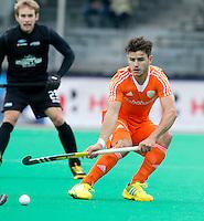 ROTTERDAM - HOCKEY - Robbert Kemperman tijdens de wedstrijd tussen de mannen bvan Nederland en Nieuw Zeeland (3-3)  bij de Rabobank Hockey World League in Rotterdam. ANP KOEN SUYK