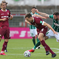 17.10.2020, Dietmar-Scholze-Stadion an der Lohmuehle, Luebeck, GER, 3. Liga, VfB Luebeck vs SG Dynamo Dresden <br /> <br /> im Bild / picture shows <br /> Tim Knipping (SG Dynamo Dresden) im Zweikampf gegen Patrick Hobsch (VfB Luebeck) <br /> <br /> DFB REGULATIONS PROHIBIT ANY USE OF PHOTOGRAPHS AS IMAGE SEQUENCES AND/OR QUASI-VIDEO.<br /> <br /> Foto © nordphoto / Tauchnitz