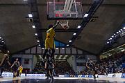 Sims Henry<br /> Vanoli Cremona - Dolomiti Energia Aquila Basket Trento<br /> Legabasket Serie A 2017/18<br /> Cremona, 15/04/2018<br /> Foto MarcoBrondi / Ciamillo-Castoria