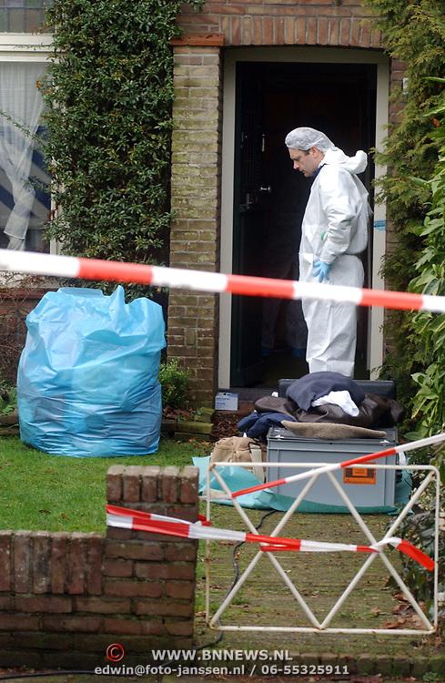 Technisch onderzoek politie kinderboerderij Rembrandlaan Baarn ivm vermissing echtpaar Muller - van der Velden