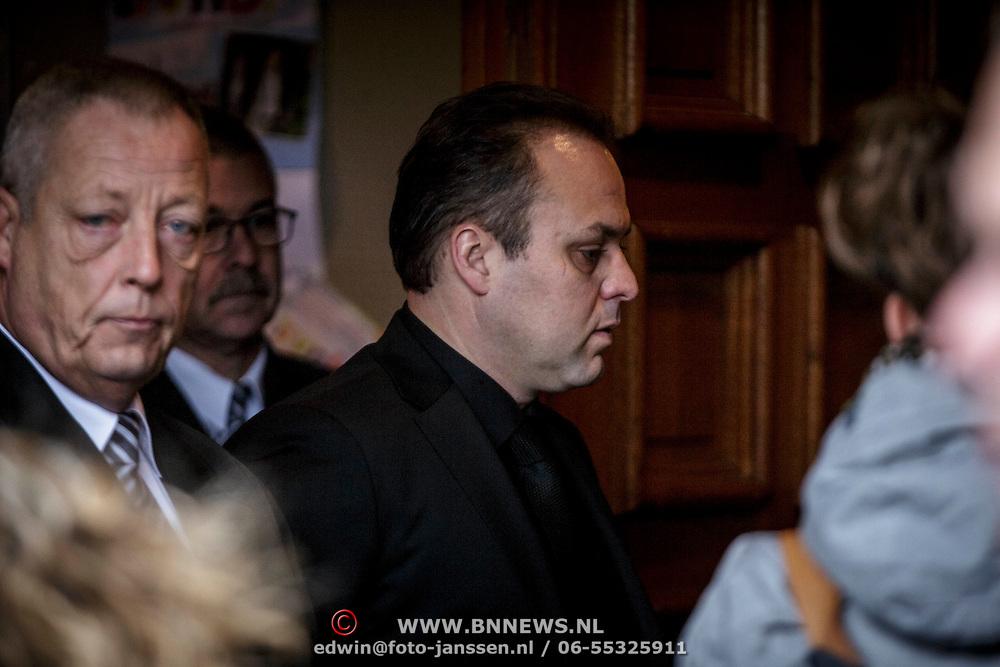 NLD/Fijnaart/20150110 - Uitvaart Chris Bauer, Frans Bauer