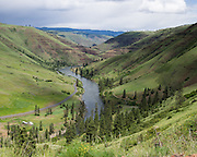 Grande Ronde River, Blue Mountains, Umatilla National Forest, near the town of Troy, Oregon, USA.
