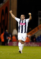 Photo: Leigh Quinnell.<br /> West Bromwich Albion v Burnley. Coca Cola Championship. 18/11/2006. Paul Robinson celebrates the West Brom win.