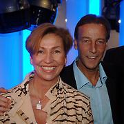 NLD/Tilburg/20060129 - Opening kapsalon John Beerens Tilburg, Johan Neeskens en partner Marlise
