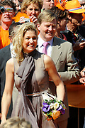 Koninginnedag 2011 in de Limburgse plaats Weert // Queen's Day 2011 in the southern of Holland ( Limburg). The Royal family is visiting the city of Weert.<br /> <br /> Op de foto / On the photo:  Prinses Maxima  / Princes Maxima  Princes Maxima and Prince Willem Alexander