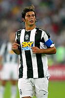 Bari 3/8/2004 Trofeo Birra Moretti - Juventus Inter Palermo. <br /> <br /> Alessio Tacchinardi Juventus <br /> <br /> Risultati / results (gare da 45 min. each game 45 min.) <br /> <br /> Juventus - Inter 1-0 Palermo - Inter 2-1 Juventus b. Palermo dopo/after shoot out <br /> <br /> Photo Andrea Staccioli