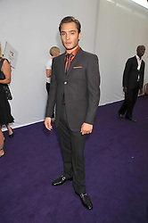 ED WESTWICK at the 2009 Glamour Magazine Awards held in Berkeley Square, London on 2nd June 2009.