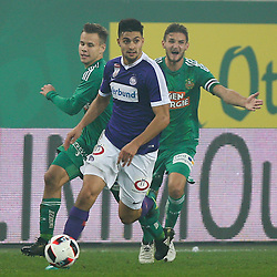 23.10.2016, Allianz Stadion, Wien, AUT, 1. FBL, SK Rapid Wien vs FK Austria Wien, 12 Runde, im Bild Louis Schaub (SK Rapid Wien), Tarkan Serbest (FK Austria Wien) und Maximilian Hofmann (SK Rapid Wien) // during Austrian Football Bundesliga Match, 12th Round, between SK Rapid Vienna and FK Austria Wien at the Allianz Stadion, Vienna, Austria on 2016/10/23. EXPA Pictures © 2016, PhotoCredit: EXPA/ Thomas Haumer