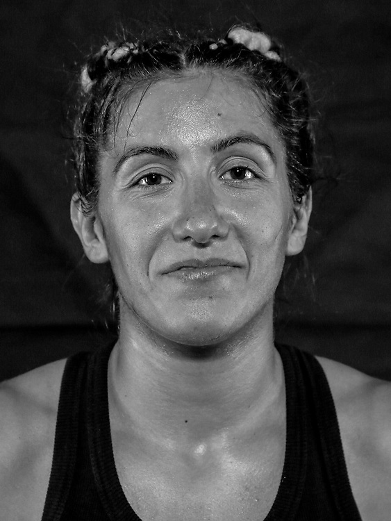 BOXEN / MMA: Studio, Portrait of a Boxer, Bremen, 12.05.2018<br /> Samira Kovacevic<br /> © Torsten Helmke