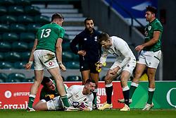 Jonny May of England celebrates scoring a try - Mandatory by-line: Robbie Stephenson/JMP - 21/11/2020 - RUGBY - Twickenham Stadium - London, England - England v Ireland - Autumn Nations Cup