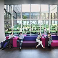 Nederland, Amsterdam , 3 juni 2010..De lounge, lobby van hotel Casa 400 aan Ringdijk nummer 4..Foto:Jean-Pierre Jans