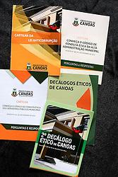 Cartilhas da SECOM de Canoas. FOTO: Jefferson Bernardes/ Agência Preview