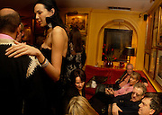L'Wren Scott,  Hercules Bellville, Hannah Rothschild,  Jeremy Thomas and Bernardo Bertollucci. Artists Independent Networks  Pre-BAFTA Party at Annabel's co hosted by Charles Finch and Chanel. Berkeley Sq. London. 11 February 2005. . ONE TIME USE ONLY - DO NOT ARCHIVE  © Copyright Photograph by Dafydd Jones 66 Stockwell Park Rd. London SW9 0DA Tel 020 7733 0108 www.dafjones.com