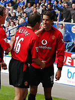RUUD VAN NISTELROOY MANCHESTER UNITED CELEBRATES SCORING 2ND GOAL WITH TEAM MATE ROY KEANE<br /> LEICESTER CITY MANCHESTER UNITED 27/09/03 PREMIER LEAGUE 20/09/03<br /> Digitalsport