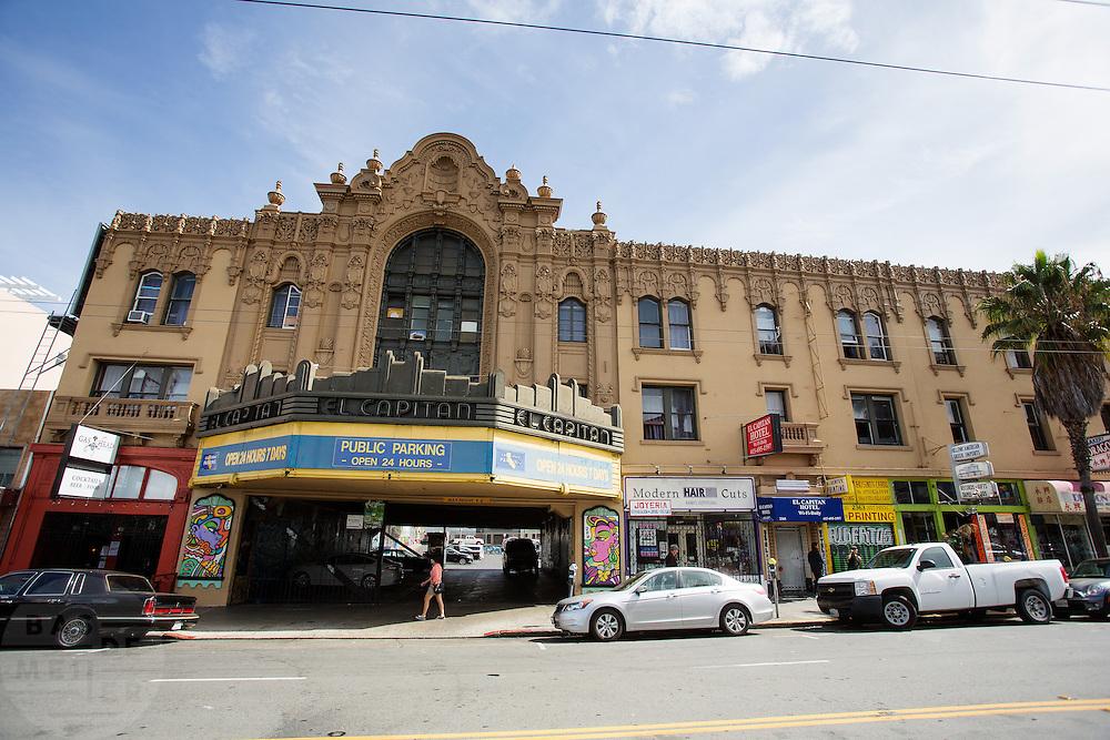 Het El Capitan hotel op Mission Street in San Francisco. De Amerikaanse stad San Francisco aan de westkust is een van de grootste steden in Amerika en kenmerkt zich door de steile heuvels in de stad.<br /> <br /> The US city of San Francisco on the west coast is one of the largest cities in America and is characterized by the steep hills in the city.