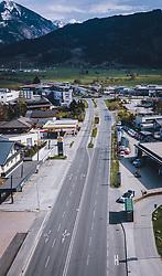 THEMENBILD - leere Strassen, nachdem über Zell am See unter Quarantäne genommen wurde, aufgenommen am 13. April 2020 in Schüttdorf, Österreich // empty Road during the quarantine of Zell am See, Schuettdorf, Austria on 2020/04/13. EXPA Pictures © 2020, PhotoCredit: EXPA/ JFK