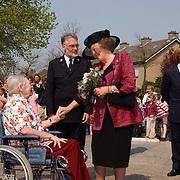 Koninging Beatrix opent verpleegtehuis de Blinkert Baarn