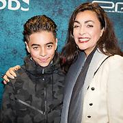 NLD/Amsterdam/20161010 - Premiere Prooi, Monique Klemann en zoon